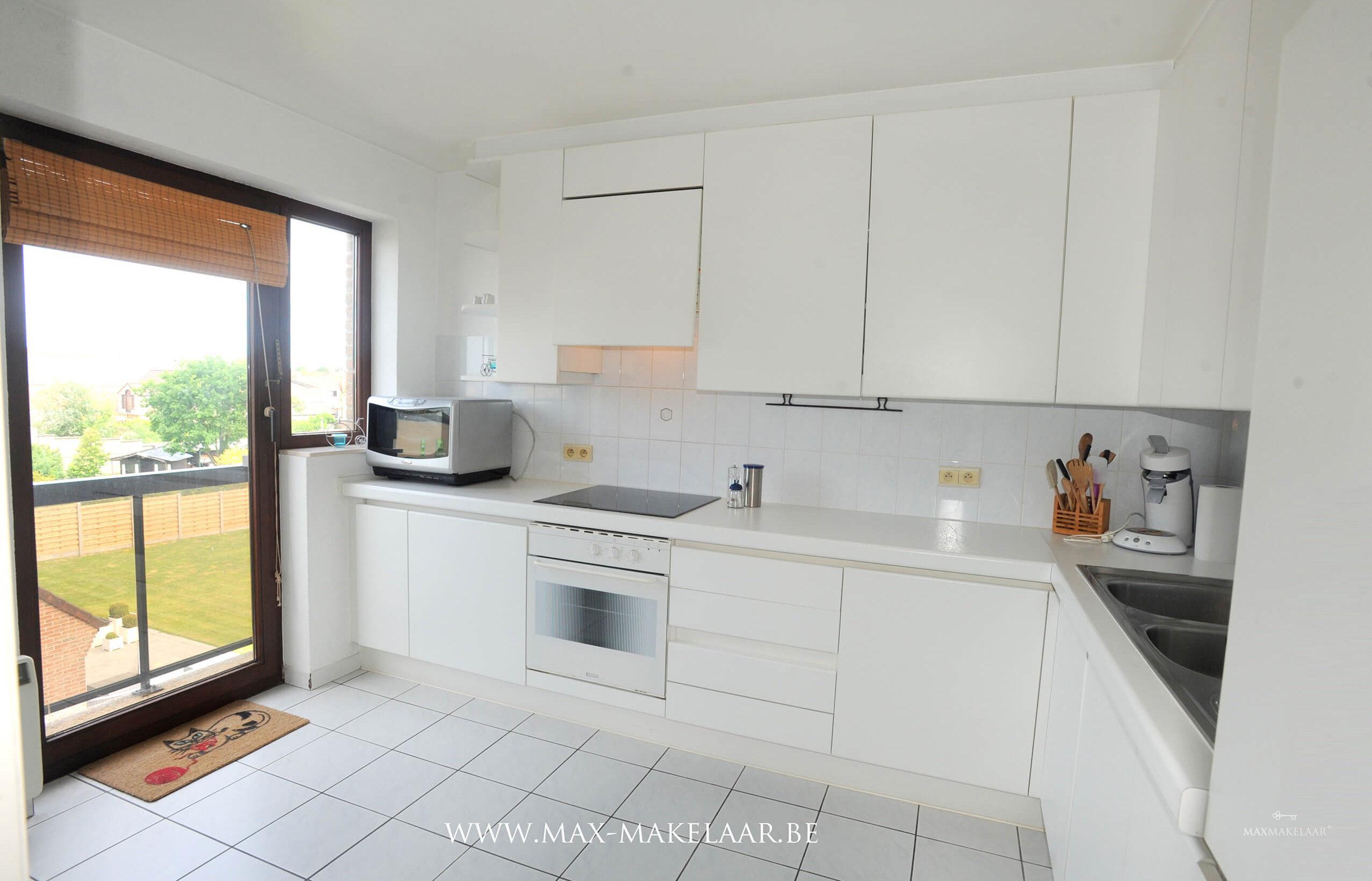 Verzorgd appartement met terras en balkon