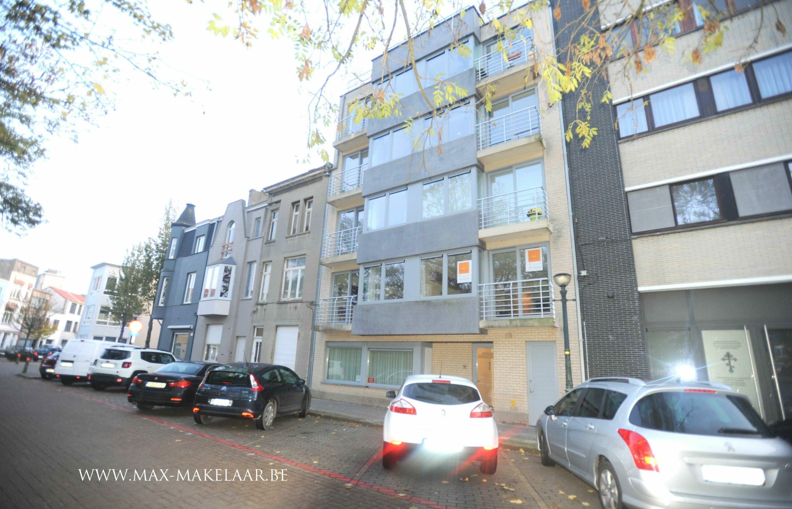Appartement met terras en parkzicht