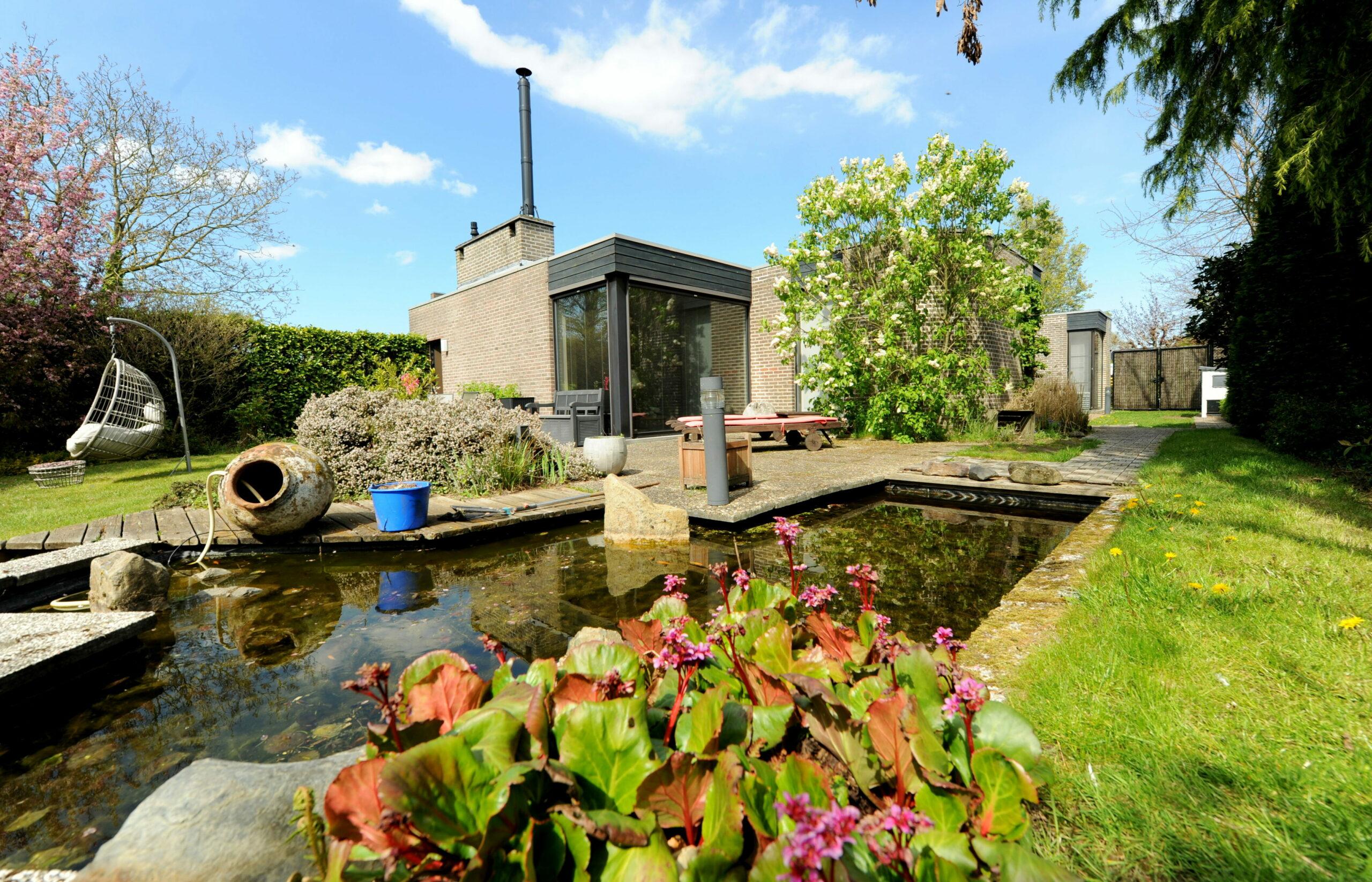 Romantisch wonen in deze moderne bungalow