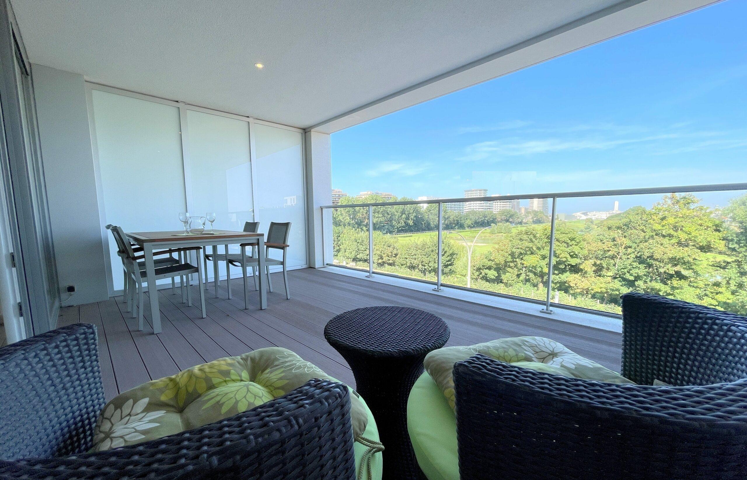 Prachtige flat met 2 grote terrassen